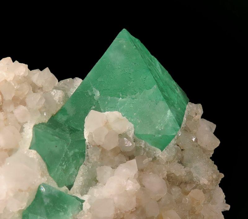 Fluorite (fluorescent) & Quartz