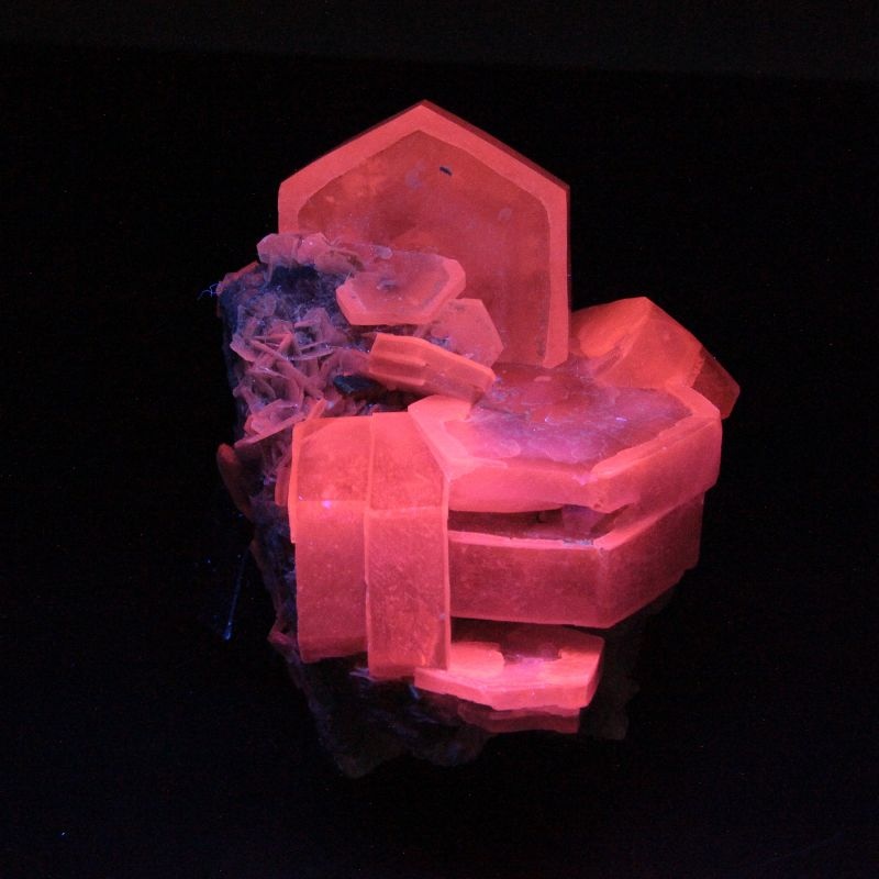 Calcite (bi-colored crystals)