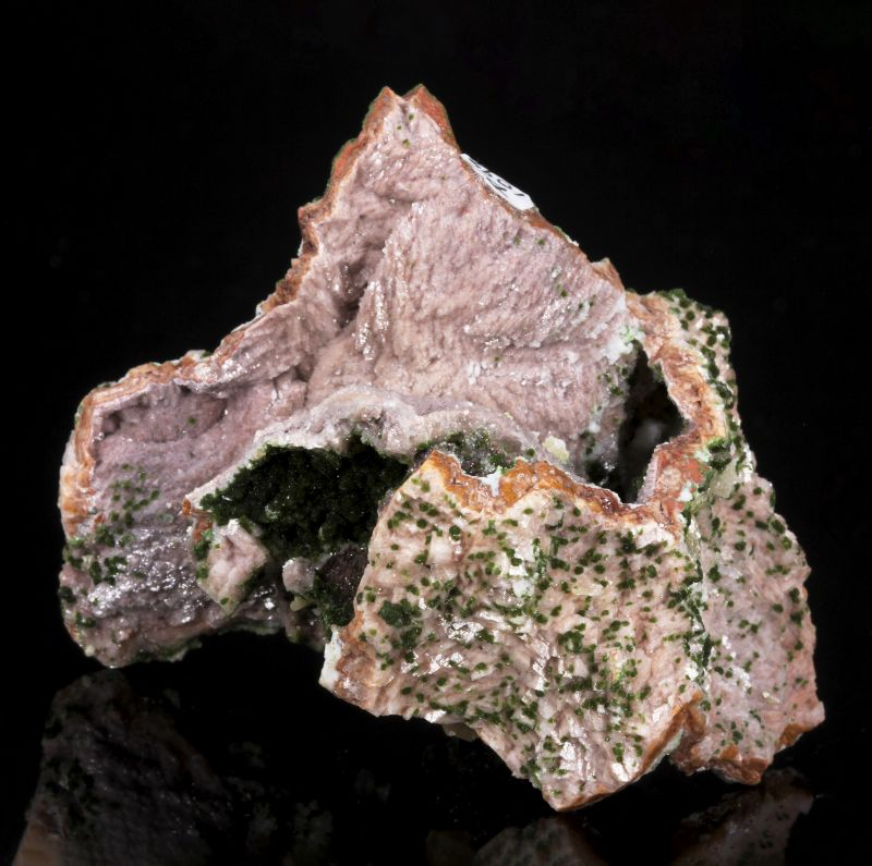 Duftite and Wulfenite on Dolomite cast
