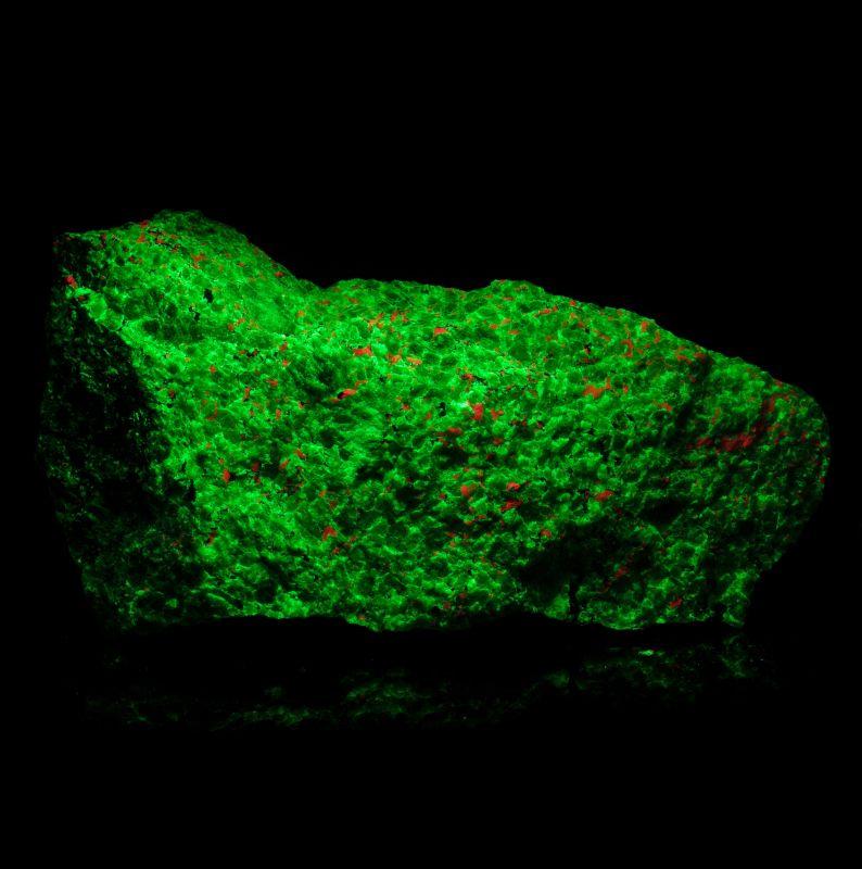 large Willemite (classic fluorescent example!)